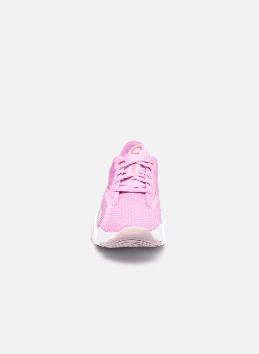 Deportivas Nike Wmns Nike Superrep Go Rosa vista del modelo