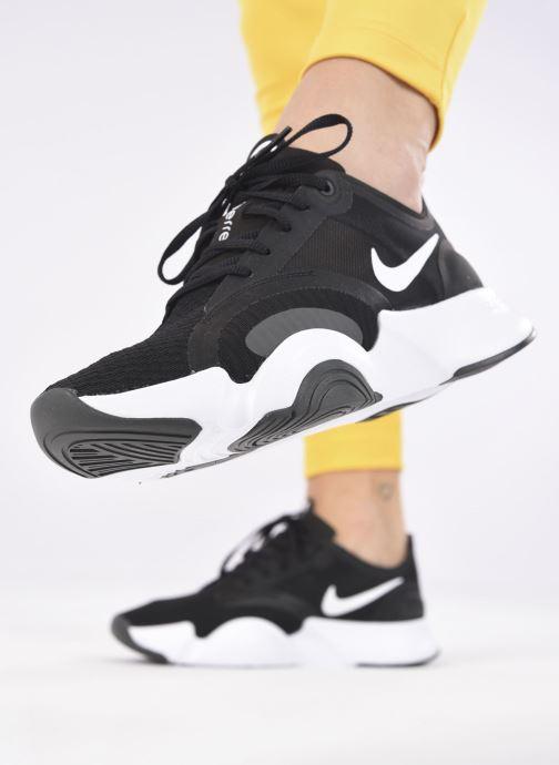 Baskets Nike Wmns Nike Superrep Go Noir vue bas / vue portée sac