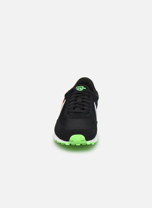 Deportivas Nike W Nike Dbreak Se Negro vista del modelo
