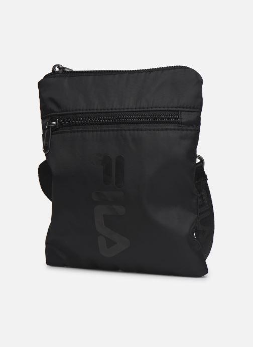 Sacs à main FILA Passport Pouch Noir vue portées chaussures