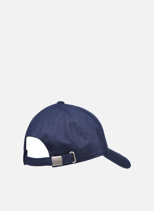 Cappellino FILA Heritage Cap Azzurro modello indossato