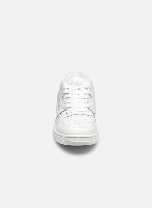 Sneakers FILA Arcade Low Wmn Bianco modello indossato
