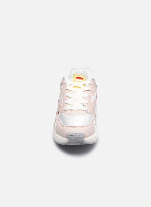 Sneakers FILA Hyperwalker Low W Rosa modello indossato