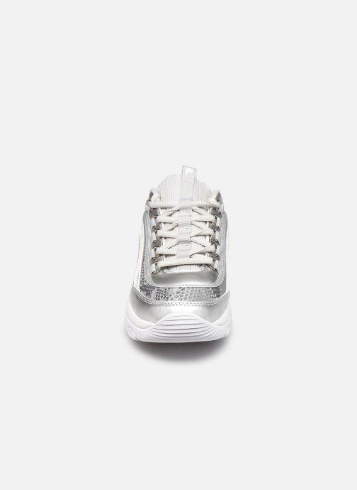 Baskets FILA Strada A W Argent vue portées chaussures