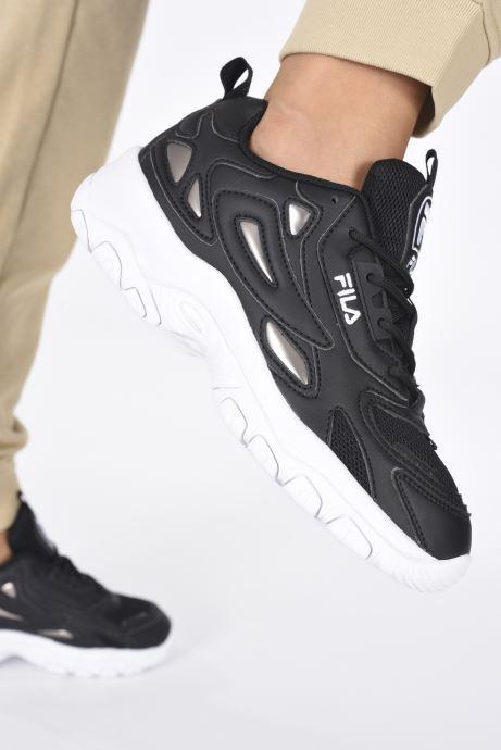 Sneaker FILA Eletto Low W schwarz ansicht von unten / tasche getragen
