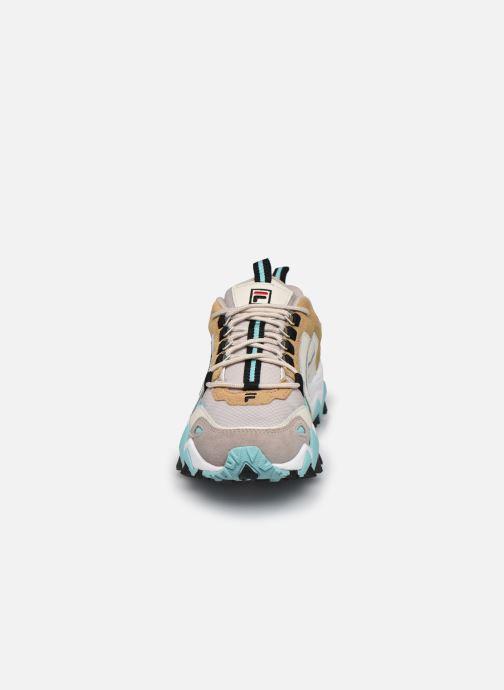 Sneaker FILA Trail WK CB W beige schuhe getragen