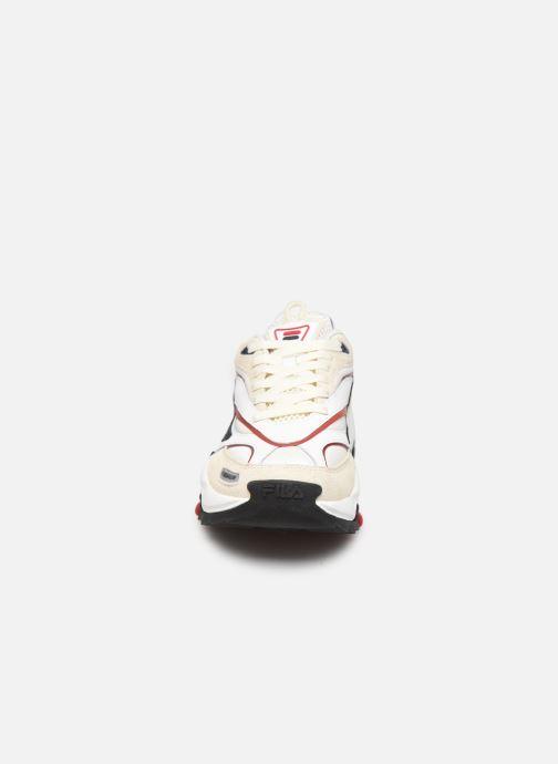 Sneaker FILA V94M Rush beige schuhe getragen