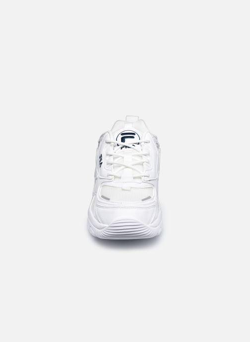 Sneakers FILA Eletto Low Bianco modello indossato