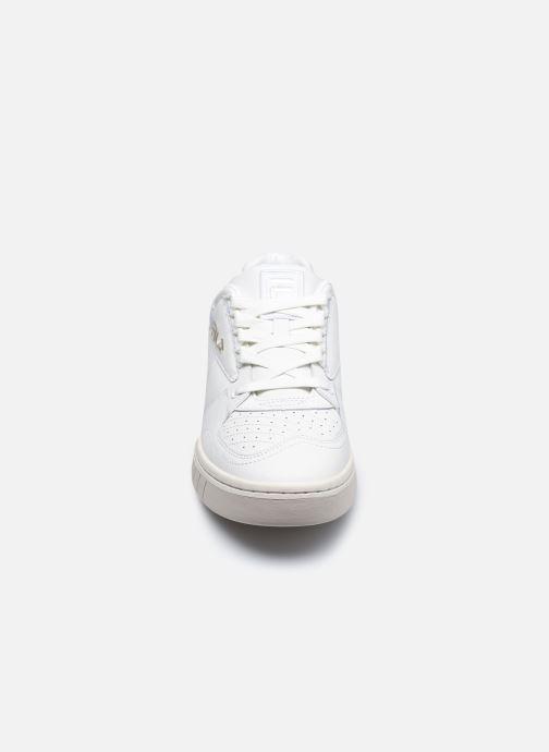 Sneakers FILA Netpoint L Low Bianco modello indossato