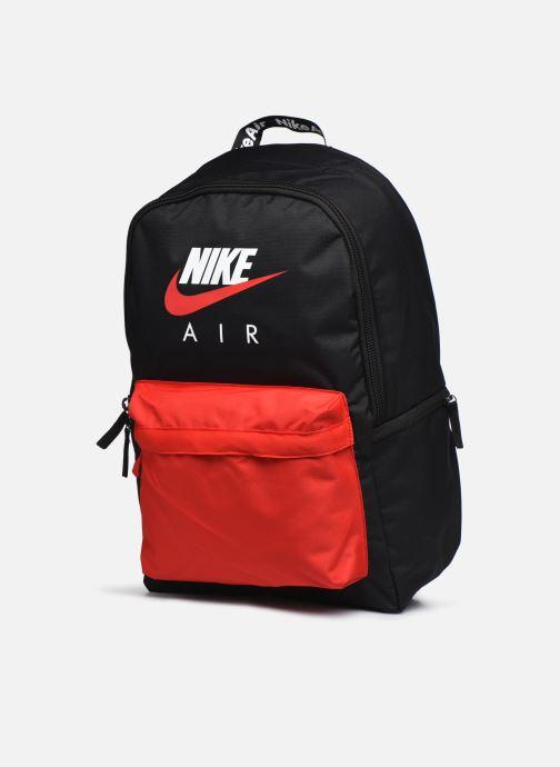 Sacs à dos Nike Nk Heritage Bkpk - Nk Air Noir vue portées chaussures