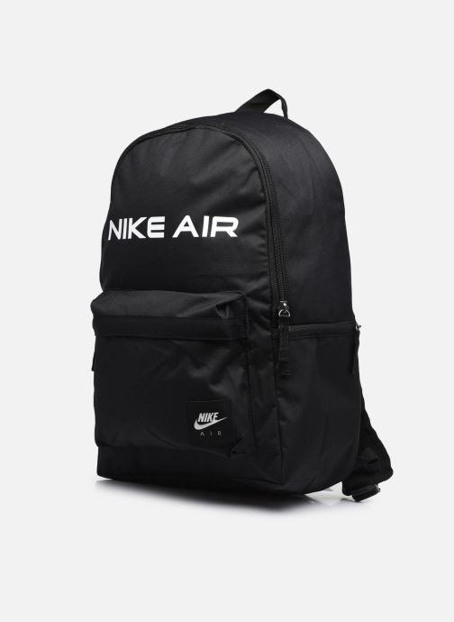 Zaini Nike Nk Heritage Bkpk - Nk Air Nero modello indossato