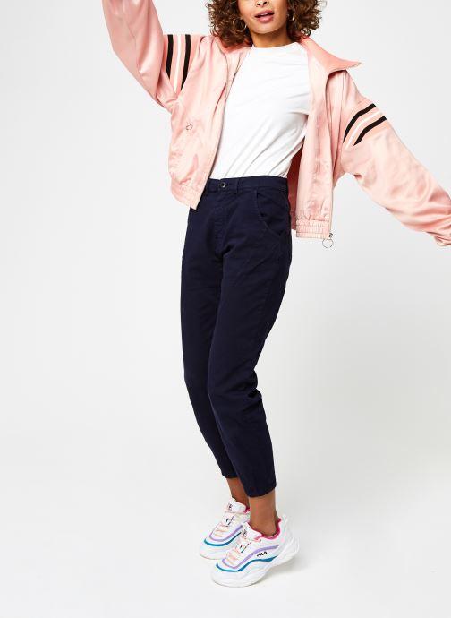 Vêtements FILA Telly Satin Jacket Rose vue bas / vue portée sac