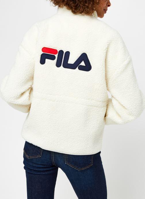 Vêtements FILA Sari Sherpa Fleece Jacket Beige vue portées chaussures
