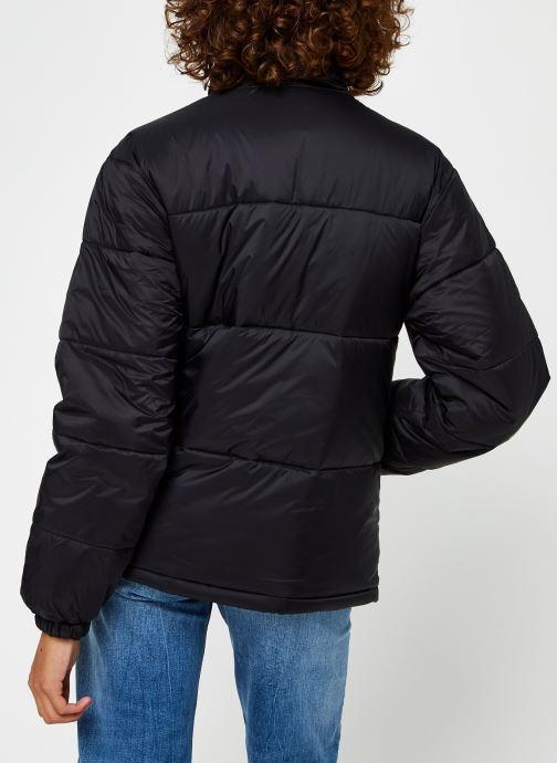 Vêtements FILA Sussi Puff Jacket Noir vue portées chaussures