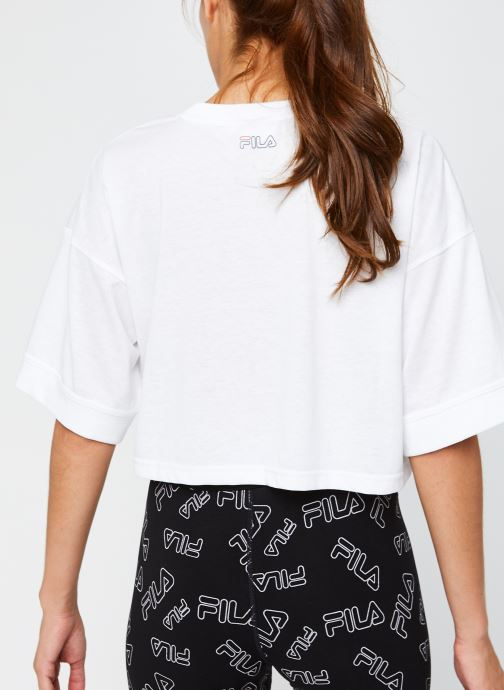 Vêtements FILA Lamia Wide Tee Blanc vue portées chaussures