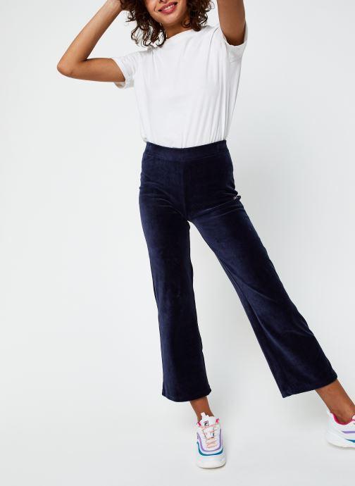 Vêtements FILA Bian Cropped Velvet Pant Bleu vue bas / vue portée sac