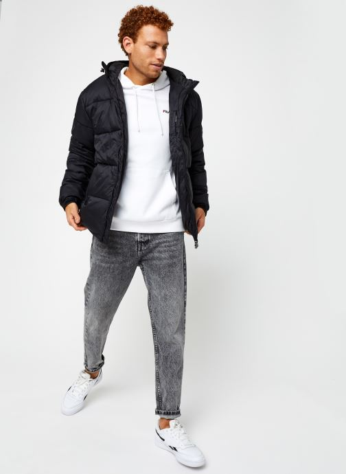 Vêtements FILA Scooter Puffer Jacket Noir vue bas / vue portée sac