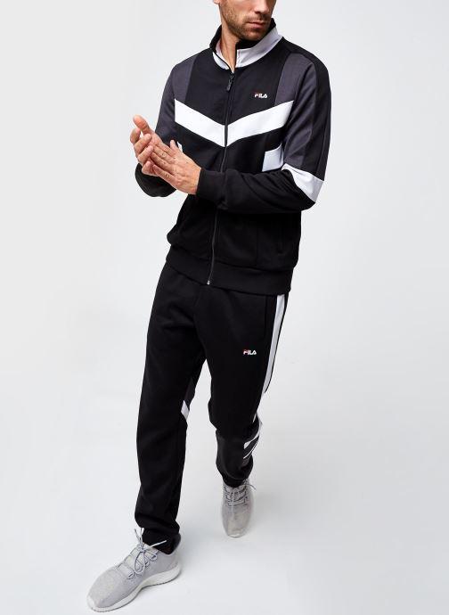 Vêtements FILA Batson Track Jacket Noir vue bas / vue portée sac