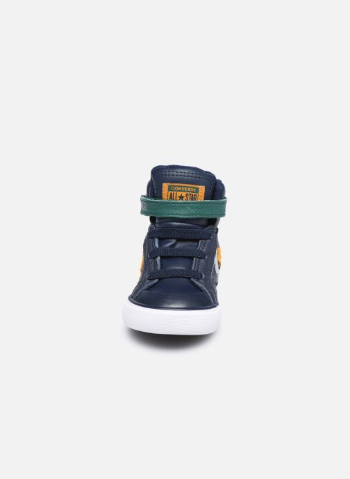 Sneakers Converse Pro Blaze Strap Leather Twist Hi Azzurro modello indossato