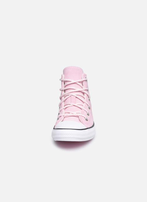 Baskets Converse Chuck Taylor All Star Lama Hi Rose vue portées chaussures