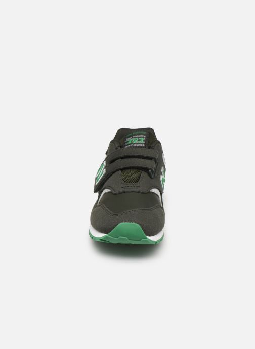 Baskets New Balance KV393 Vert vue portées chaussures