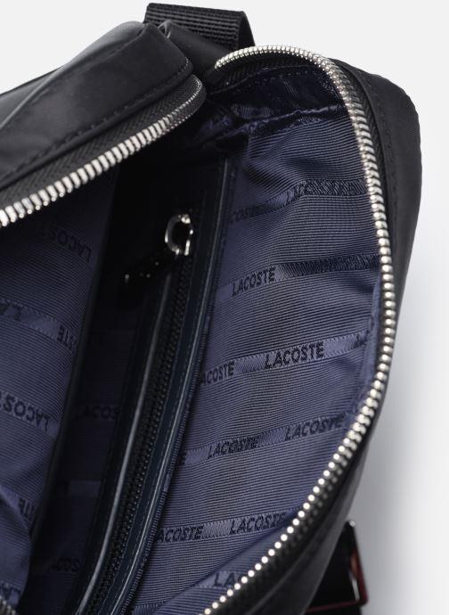 Herrentaschen Lacoste L.12.12 Cuir Animation M Vertical Camera Bag schwarz ansicht von hinten