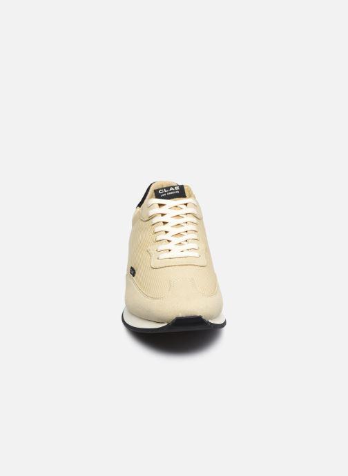Sneaker Clae Runyon M beige schuhe getragen
