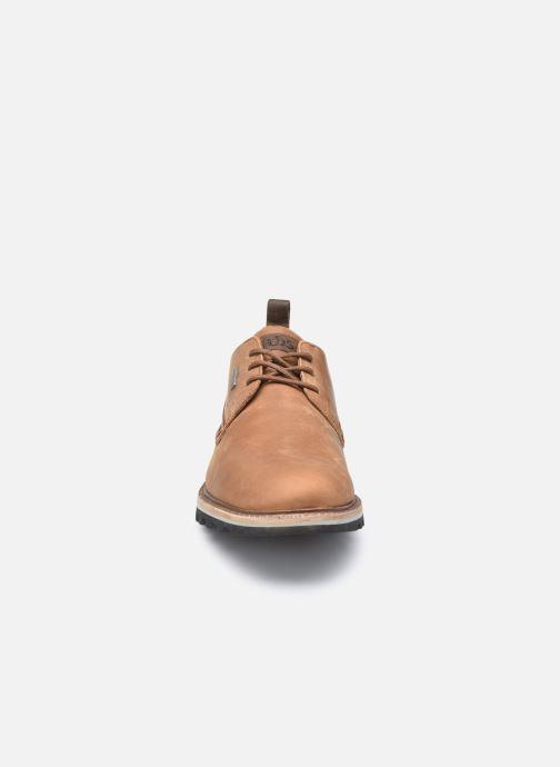 Zapatos con cordones TBS Hastiin Marrón vista del modelo