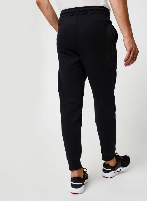 Vêtements Nike M Nsw Tch Flc Jggr Gris vue portées chaussures