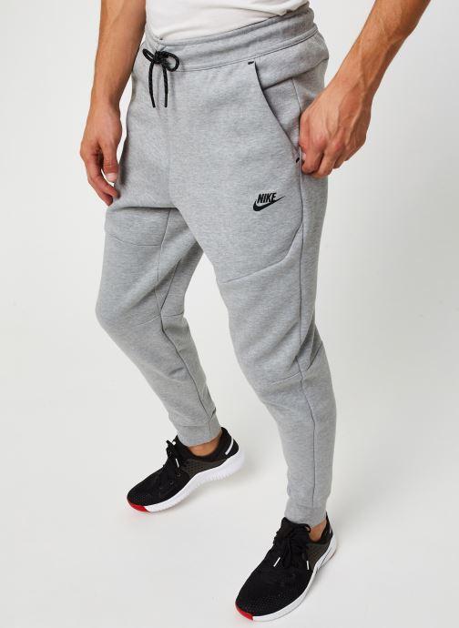 Vêtements Nike M Nsw Tch Flc Jggr Gris vue détail/paire