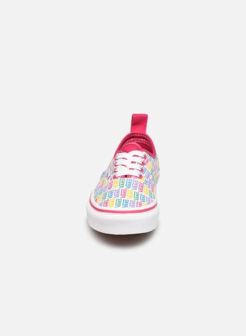 Sneaker Vans UY Authentic Elastic Lace weiß schuhe getragen