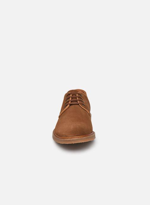 Zapatos con cordones Kost MIKENO 5 Marrón vista del modelo
