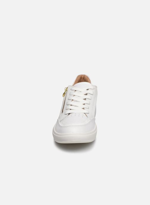 Sneakers TBS Made in France Nahelle Bianco modello indossato