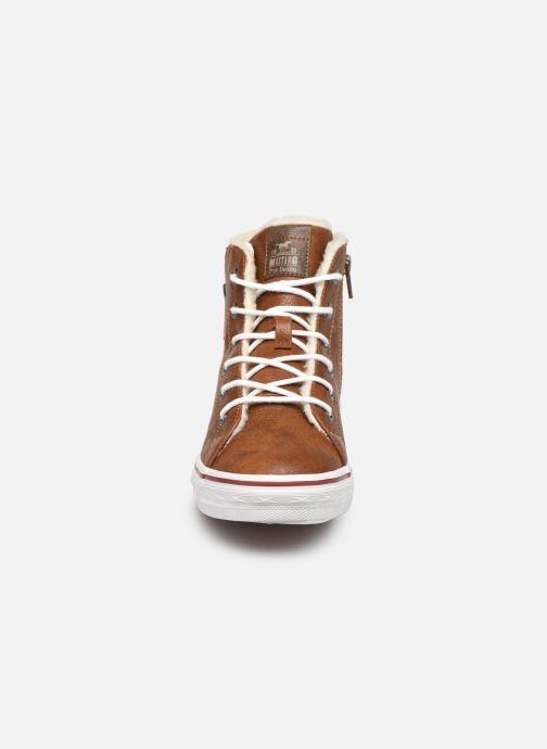 Baskets Mustang shoes 5056604 Marron vue portées chaussures