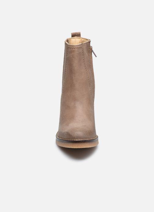 Stiefeletten & Boots Kickers AVERNY grau schuhe getragen