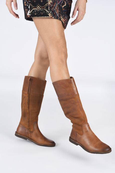 Stiefel Kickers TINTABO braun ansicht von unten / tasche getragen