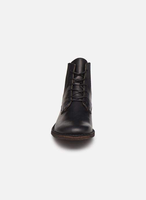 Stivaletti e tronchetti Kickers TITI 654453 Nero modello indossato