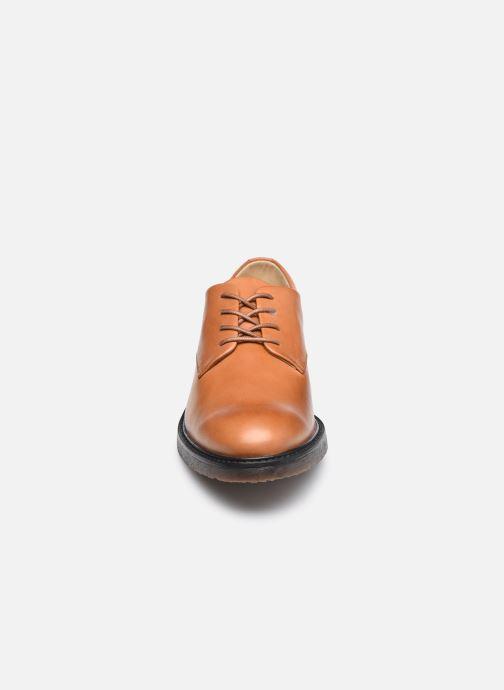 Zapatos con cordones Kickers ALPHADERB Marrón vista del modelo