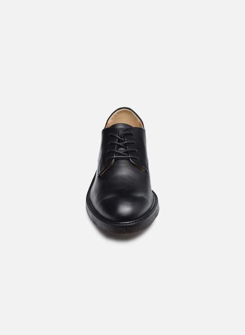 Schnürschuhe Kickers ALPHADERB schwarz schuhe getragen