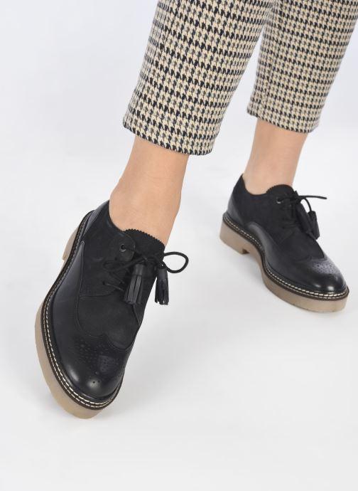 Chaussures à lacets Kickers OXANYBY Noir vue bas / vue portée sac