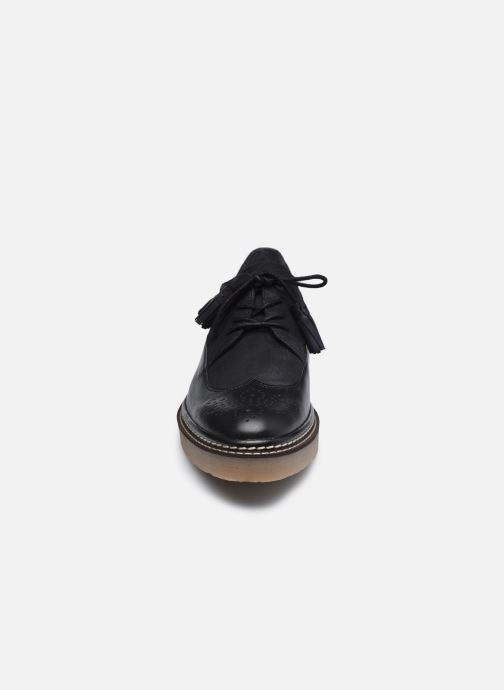 Chaussures à lacets Kickers OXANYBY Noir vue portées chaussures