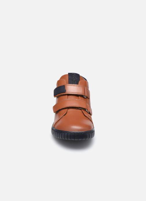 Stivaletti e tronchetti Kickers Winopo Marrone modello indossato