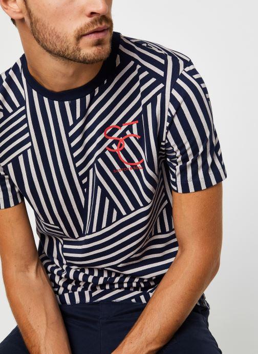 Vêtements Scotch & Soda Short Sleeve Tee With Allover Print Bleu vue détail/paire
