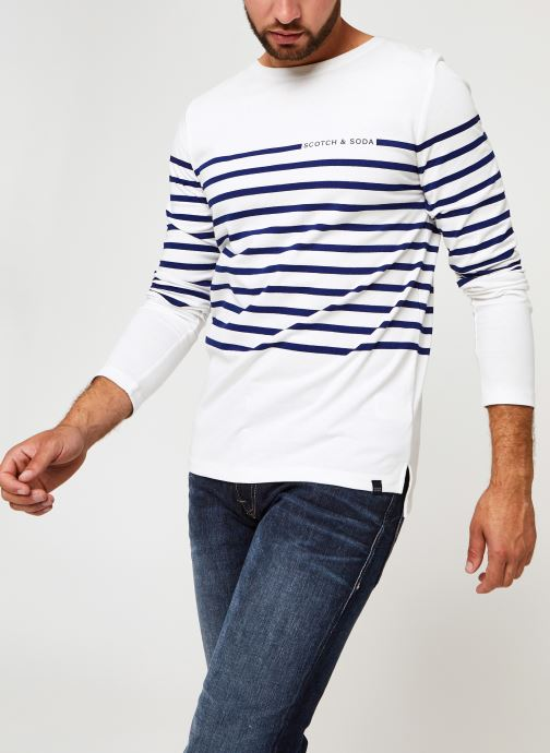 Vêtements Scotch & Soda Long Sleeve Tee In Engineered Breton Stripe Blanc vue détail/paire