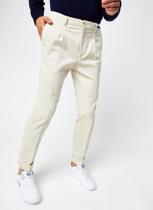 Vêtements Scotch & Soda Blake - Pleated Corduroy Pant With Fixed Turn-Up Beige vue détail/paire