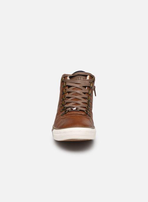Baskets Mustang shoes Drevy Marron vue portées chaussures