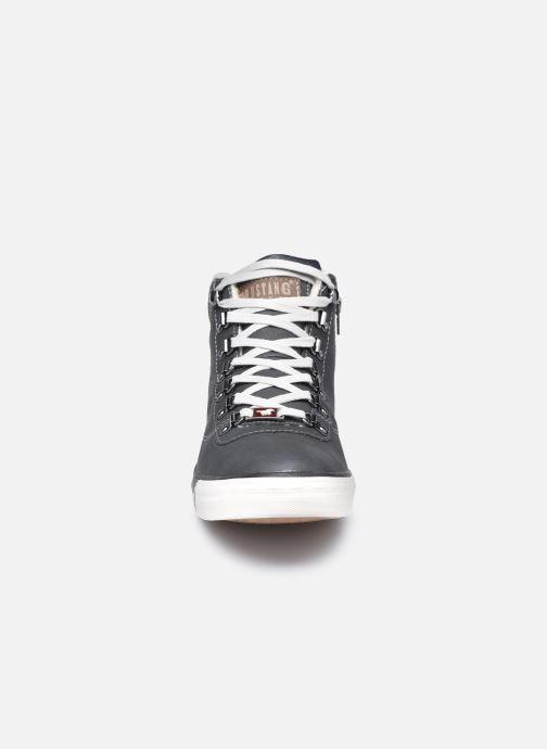 Baskets Mustang shoes Drevy Noir vue portées chaussures