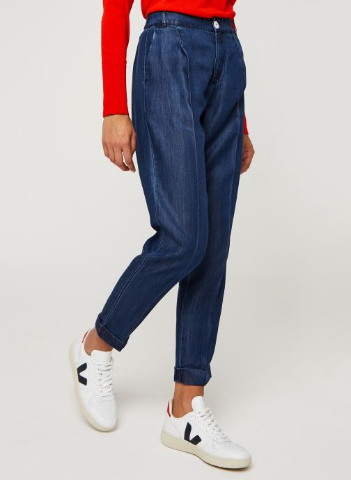 Chino pant in drapey Tencel indigo quality
