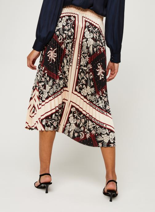 Vêtements Scotch & Soda Plisse skirt with scarf inspired print Rose vue portées chaussures