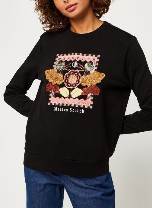 Vêtements Scotch & Soda Crewneck sweat with embroidered artwork Noir vue droite
